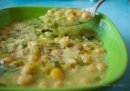 Суп с нутом и луком-пореем