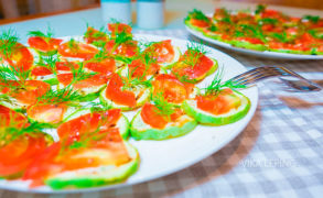 Жареные кабачки с помидорами и с чесноком