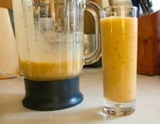 Банановый смузи из дыни с персиком. Как сделать смузи дома?