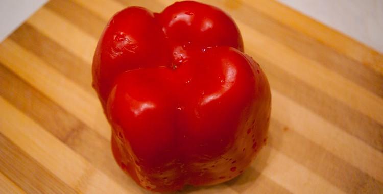 Как быстро почистить болгарский перец