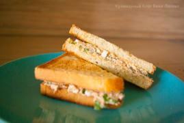 Клаб сэндвич с тунцом и яйцом