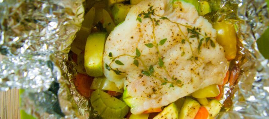 Рыба с овощами или как запечь рыбу в фольге? Рецепты на скорую руку!