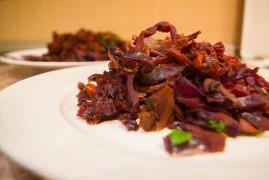 Тушеная капуста с грибами: рецепт славянской кухни