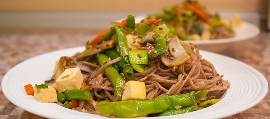 Гречневая лапша Соба с овощами и сыром Тофу: рецепт японской кухни