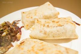 Низкокалорийные блины Налистники с грибами и пекинской капустой: рецепт на Масленицу
