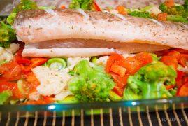 Запеченная рыба Кинг Клип на овощной подушке: рецепт европейской кухни