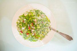 Окрошка на кефире и минералке, квасе или сыворотке: рецепт от мамы!
