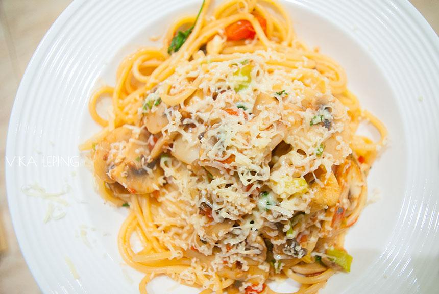 как приготовить соус для спагетти с помидорами и грибами