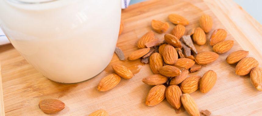 Миндальное молоко за 5 минут — самый вкусный и полезный рецепт!