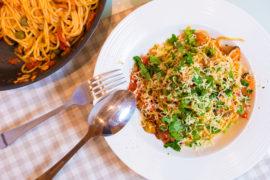 Итальянская паста с мидиями в томатном соусе - блюдо на все случаи жизни!