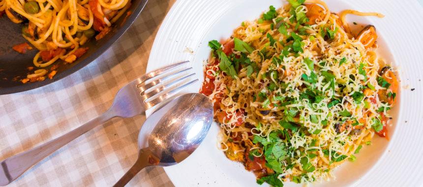 Итальянская паста с мидиями в томатном соусе — блюдо на все случаи жизни!