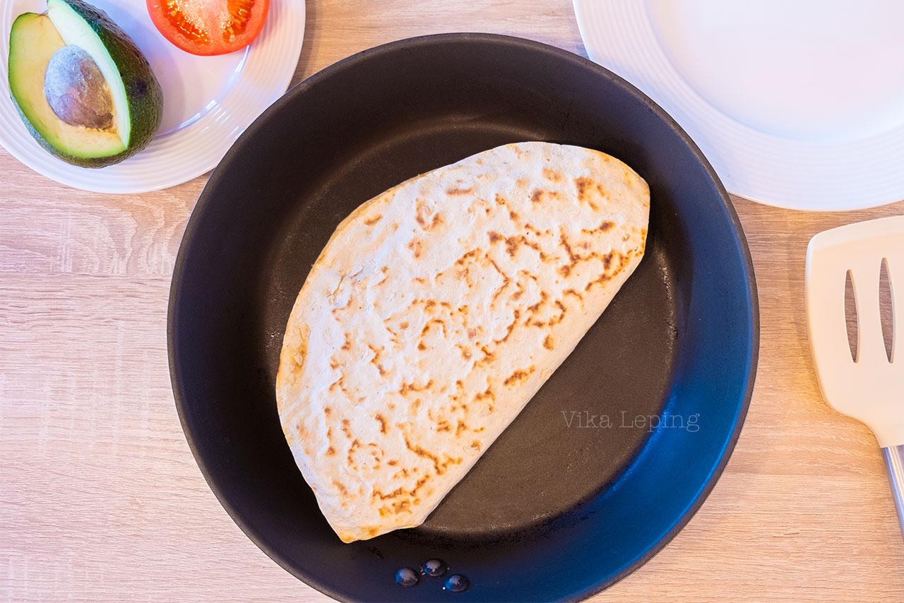 Овощная Кесадилья с сыром, тунцом и яйцом - рецепт самого вкусного завтрака